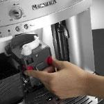 DeLonghi-ESAM3000-B-Kaffee-Vollautomat-bruehgruppe